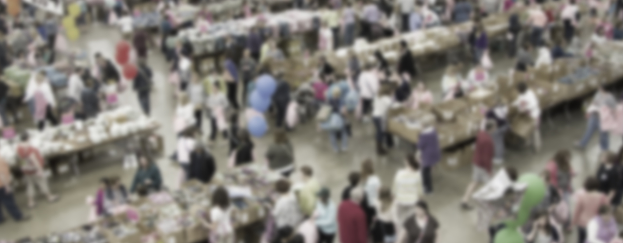 shoppers blur